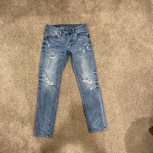 American Eagle Skinny 28x30 distressed jeans